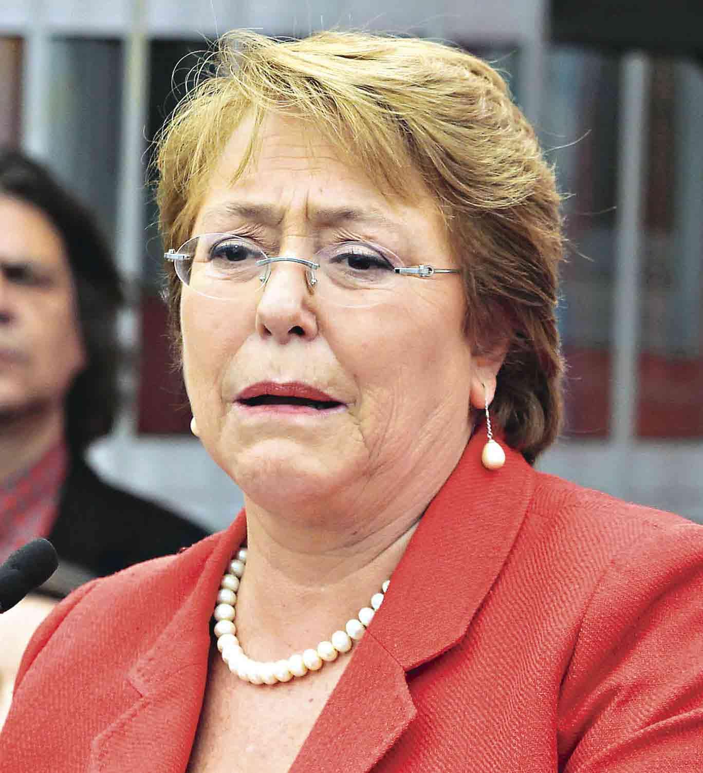 3 Bachelet